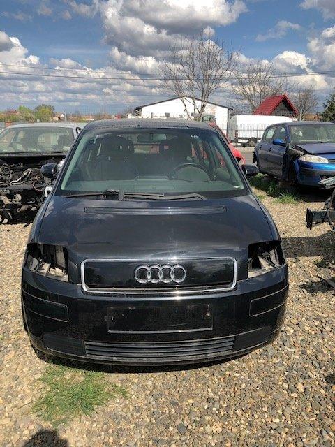 Dezmembrez Audi A2 negru, 1,4tdi 2005
