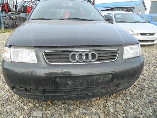 Dezmembrez Audi A3 1,6 1,8 din 1998