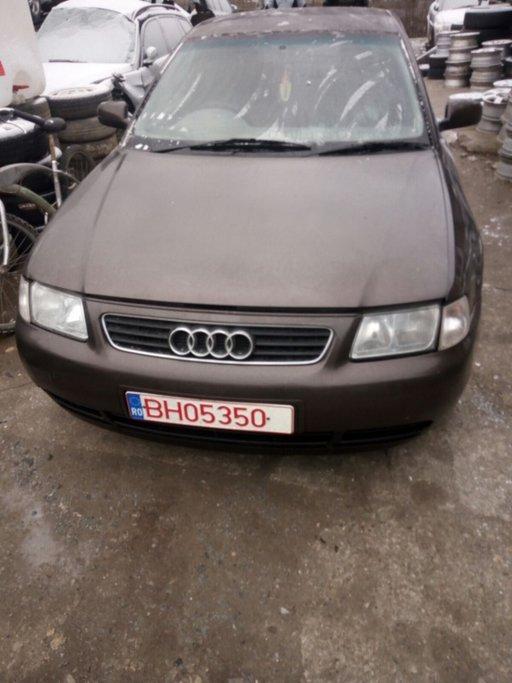 Dezmembrez Audi A3 1.8 benzina an fabr. 2000