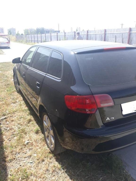 Dezmembrez Audi A3 8P 2006 HATCHBACK 1.6 BENZINA