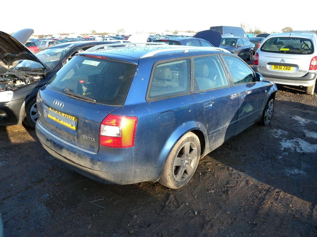 Dezmembrez Audi A4 1,9 sau 2,5 TDI - 2002