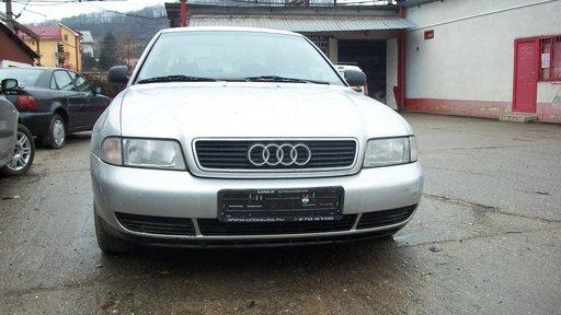 Dezmembrez Audi A4 1995
