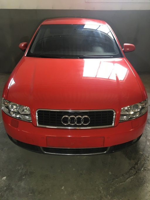 Dezmembrez Audi A4 B6 2.5 TDI AYM 155cp interior i