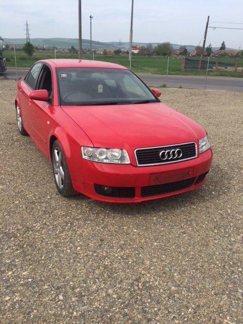 Dezmembrez Audi A4 b6 2003 rosu,motor 1,9tdi tip a