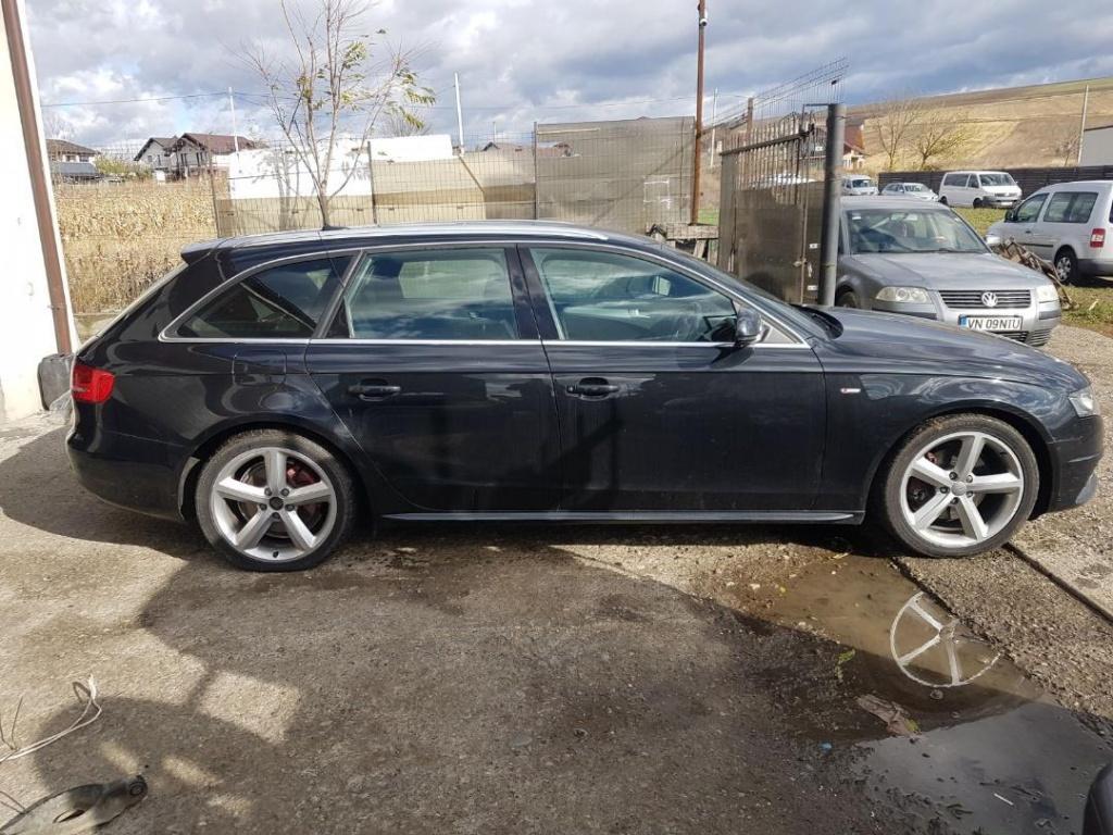 Dezmembrez Audi A4 B8 2010 combi 2.0tdi