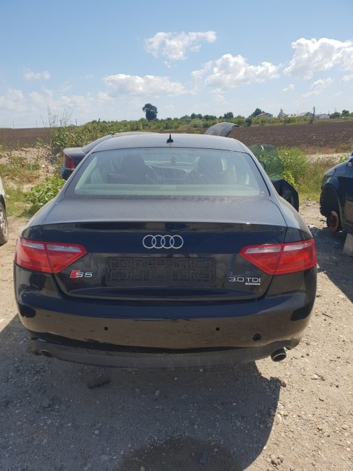 Dezmembrez Audi A5 2009 3.0D quattro S-Line