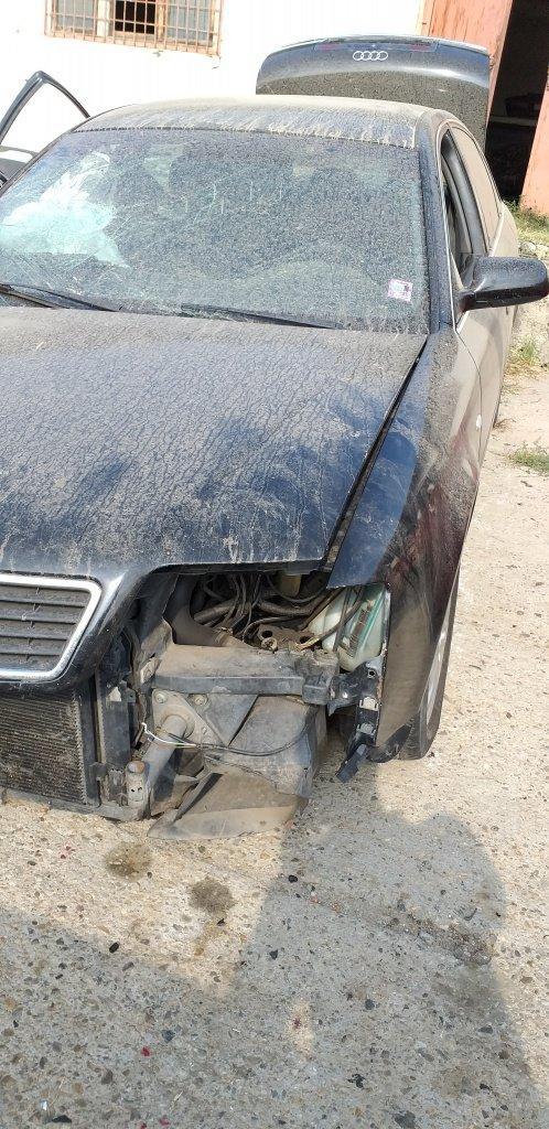 Dezmembrez Audi A6 2001 1.9 TDI AVG