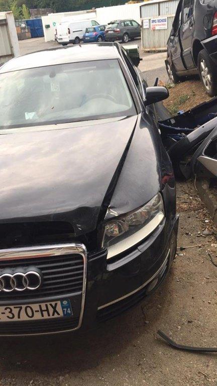 Dezmembrez Audi A6 c4 2.0 TDI