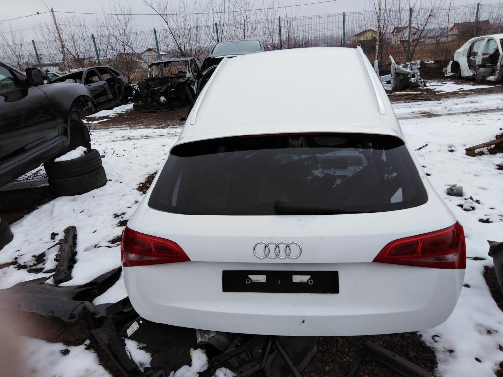 Dezmembrez Audi Q3