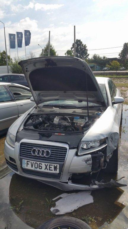Dezmembrez autoturism marca Audi A6, an fabricatie 2006, motor de 2.5 TDI SE, culoare Argintiu, 4 usi.