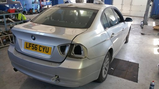 Dezmembrez autoturism marca BMW E90i, an fabricatie 2005, motor 2.0i benzina, culoare Gri, 4 usi.
