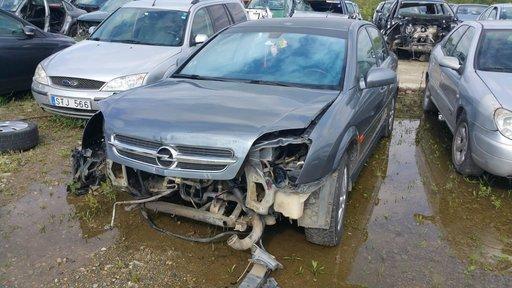 Dezmembrez autoturism marca Opel Vectra C, an fabricatie 2003, motor de 2.2 DTI, culoare Gri, 4 usi.