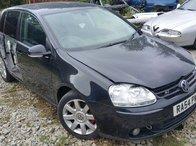 Dezmembrez autoturism marca Volkswagen Golf 5 GT, an fabricatie 2005, motor 2.0 TDI, culoare Negru, 4 usi.