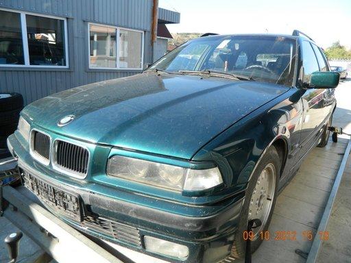 Dezmembrez BMW 318, model masina 1996 Oradea