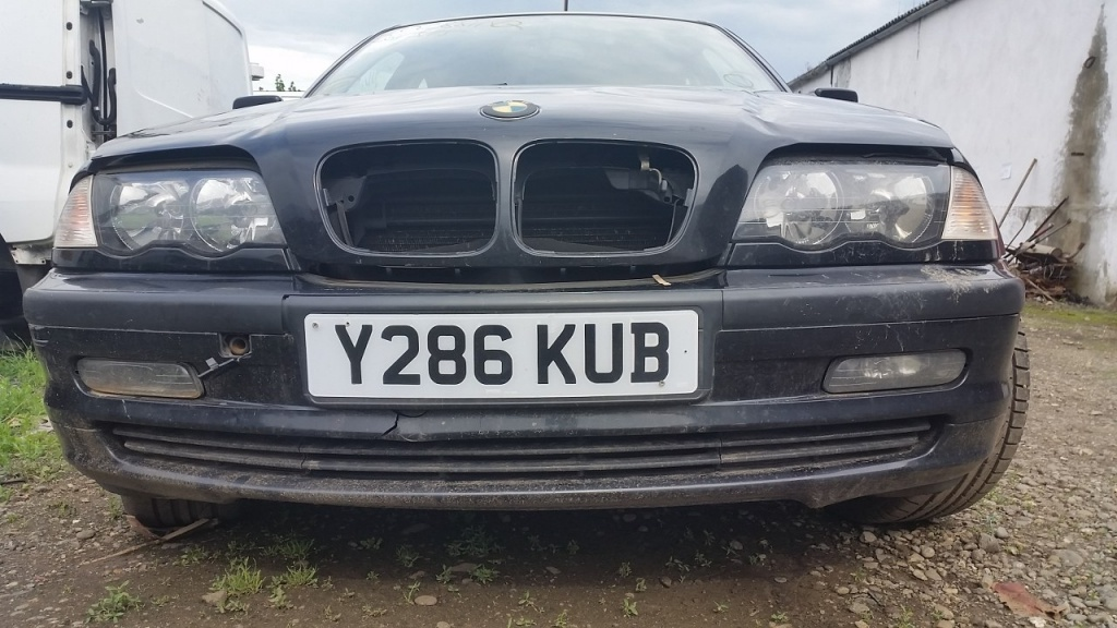 Dezmembrez BMW 318 Seria 3 E46 1.9 87kw 118cp 2001
