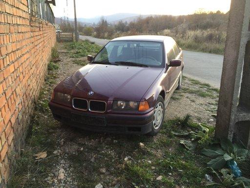 Dezmembrez BMW 320 i an 1997 e36