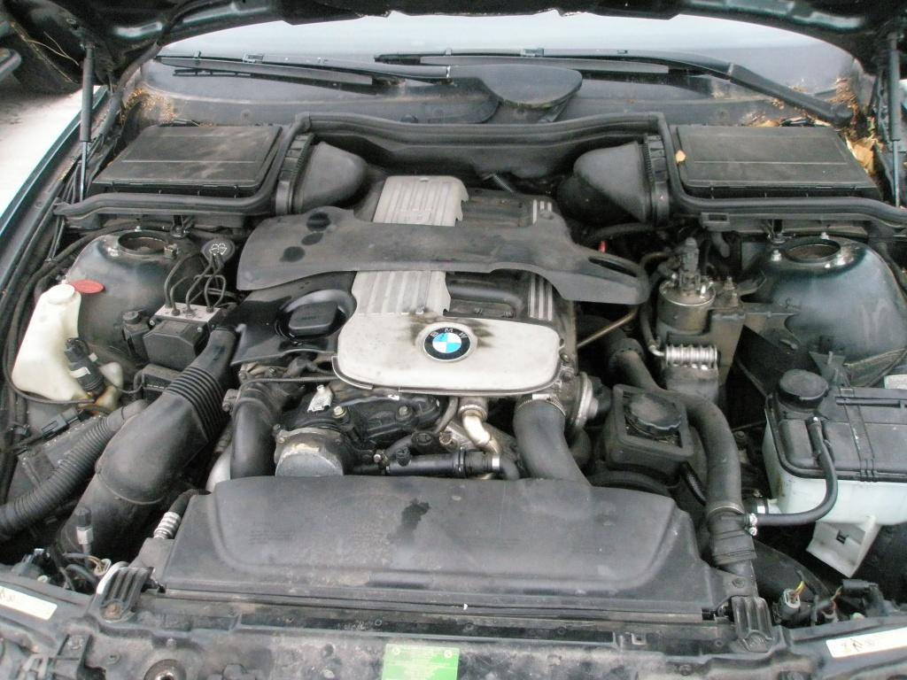 Dezmembrez BMW 525 D, model masina 2001-2004 Oradea