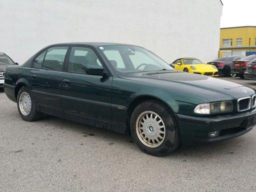 Dezmembrez BMW 725tds E38