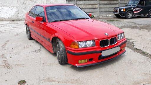 Dezmembrez Bmw E36 1.6b an:1994 Coupe