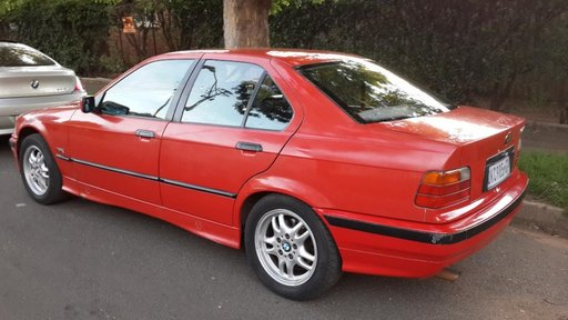 Dezmembrez BMW e36 316i 320i 318tds 1994