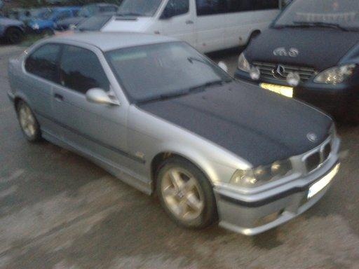 Dezmembrez BMW e36 316i din 1998 m43