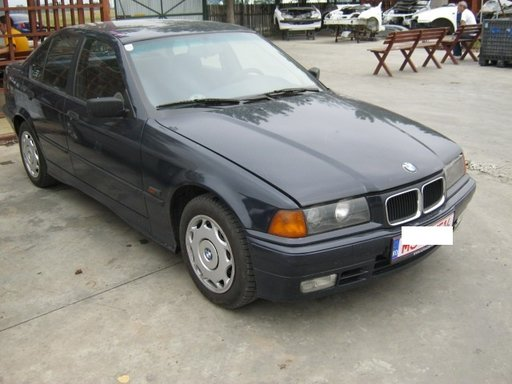 Dezmembrez BMW E36 318 din 1993, 1.8 b