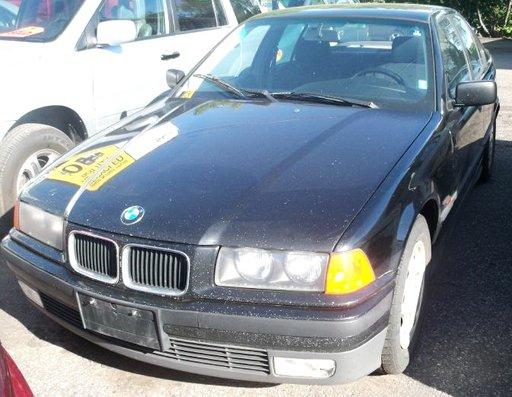 Dezmembrez BMW E36 an fabr. 1996, sedan 325tds