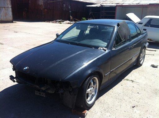 Dezmembrez BMW e36 din 95 316 motor 1.6