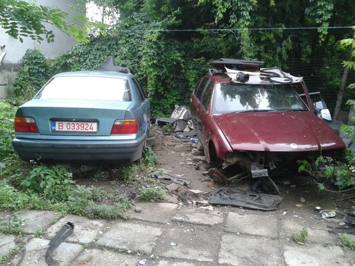 Dezmembrez BMW e36 sedan 316 318i bara fata capota