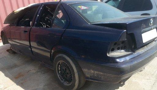 Dezmembrez BMW E36 sedan, an fabr.1998 318i