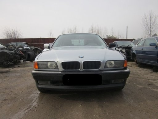 Dezmembrez BMW E38