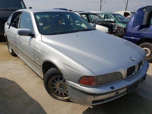 Dezmembrez BMW E39 2001 2.0d