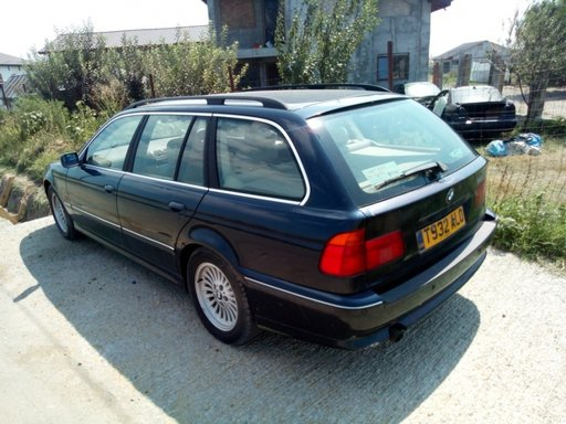DEZMEMBREZ BMW E39 523 BENZINA