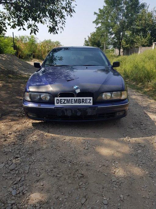 Dezmembrez BMW E39 523i