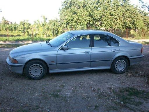 Dezmembrez BMW E39 ( Seria 5 ) motor 2000 benzina