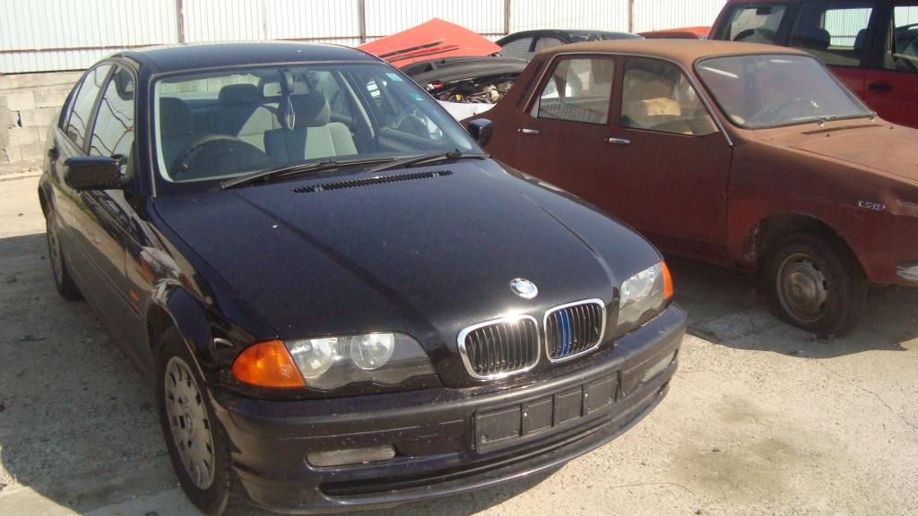 Dezmembrez BMW E46 316i an 2001 volan dreapta