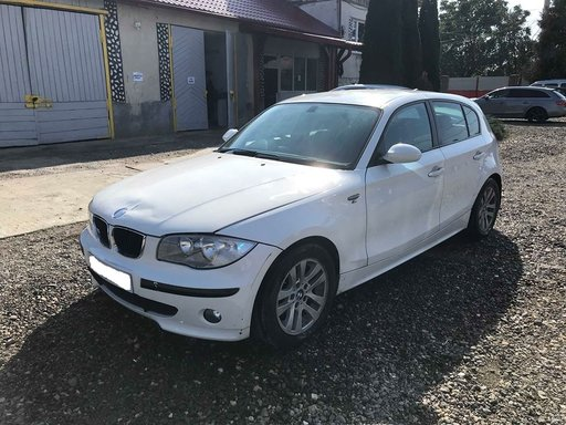 Dezmembrez BMW E87 116i 2004
