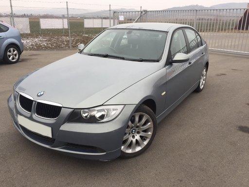 Dezmembrez BMW E90 320i 2.0 benzina 2007