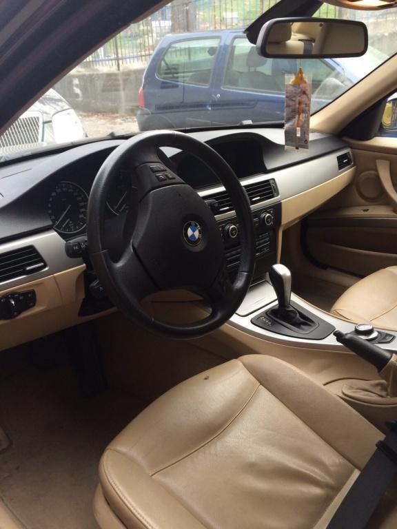 Dezmembrez BMW seria 3 320 d E90 2008