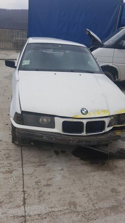 Dezmembrez BMW Seria 3 E 36 1.8 16 V 150 CP AN 1998 318 Benzina ISE