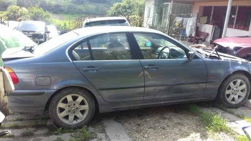 Dezmembrez BMW Seria 3 E46 2000 BERLINA 2.5