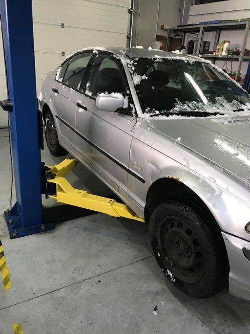 Dezmembrez BMW Seria 3 E46 2002 berlina 2.0
