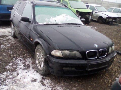 Dezmembrez BMW Seria 3 Touring E46 an 2000 motoriz