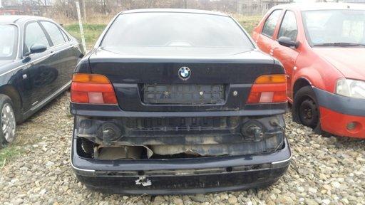 Dezmembrez BMW Seria 5 520D E39 2001