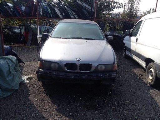 Dezmembrez BMW seria 5 E39 motor 2.5 tds 105 kw 1999