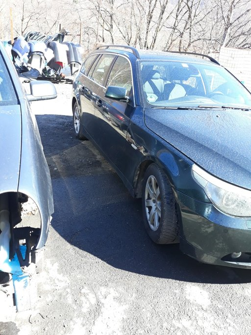 Dezmembrez BMW Seria 5 E60 2004 Combi 2.5