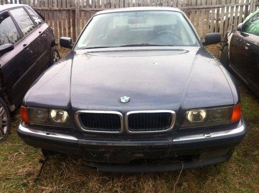 Dezmembrez BMW seria 7 e38