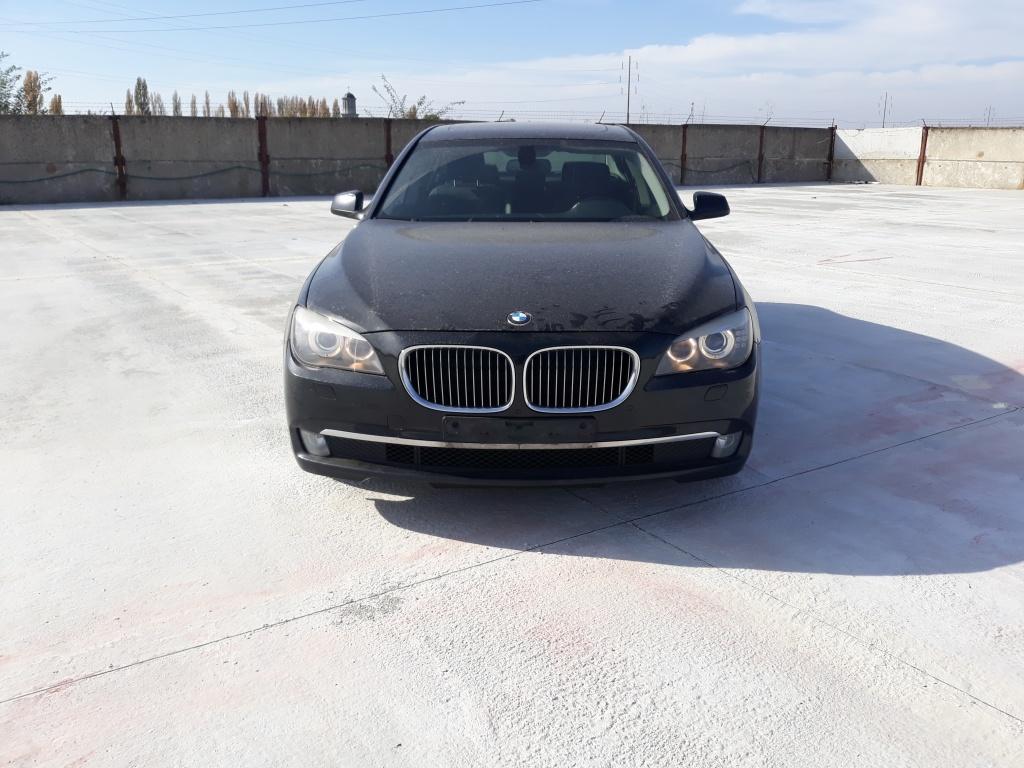 Dezmembrez BMW SERIA 7 N57D30a 2011