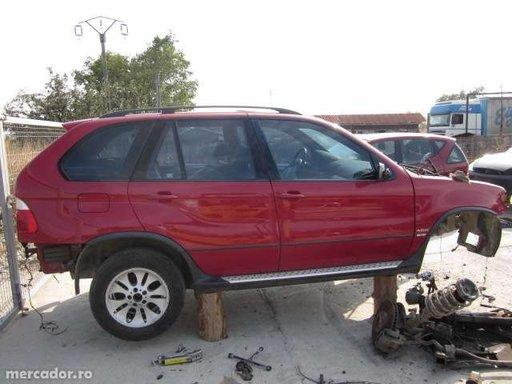 Dezmembrez Bmw X5 motor 4.4 benzina an fabricatie 2002