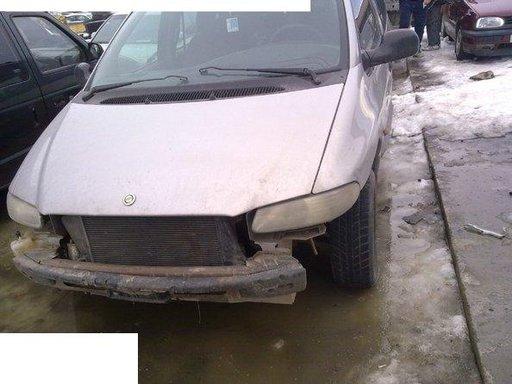 Dezmembrez Chrysler Grand Voyoger 2 5tdi An 2001